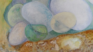 kath-wallace-artist-painting-pebbles-at-covehithe